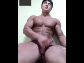 Asian Muscle Guy Webcams